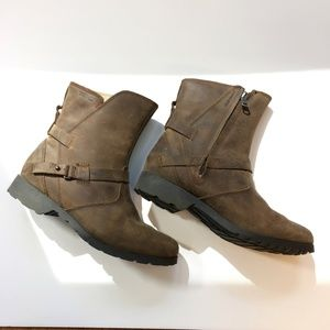 Teva Shoes - Teva De La Vina Leather Boot. Waterproof. 6. Brown
